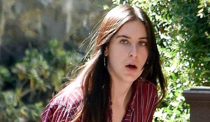 """Следбениците ја нападнаа ќерката на Брус Вилис и Деми Мур: """"Грда си и изгледаш како """"чивава"""""""