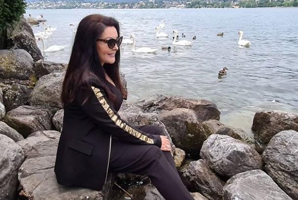 Еве како изгледа сестрата на Драгана Мирковиќ која и е десна рака во бизнисот (фото)
