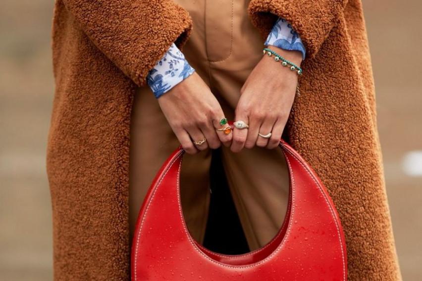 За ефектен изглед: 20 најубави чанти од улиците на Њујорк