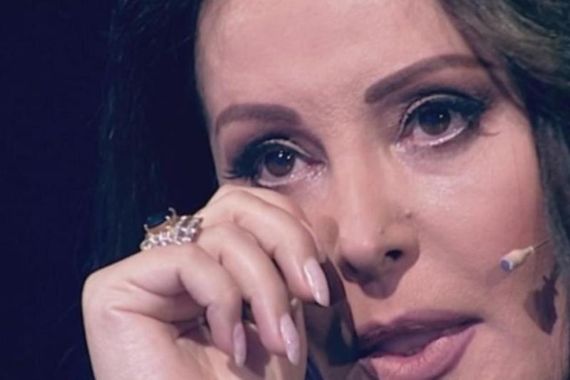 Драгана Мирковиќ не може веќе да издржи и едвај чека се' да заврши (фото)