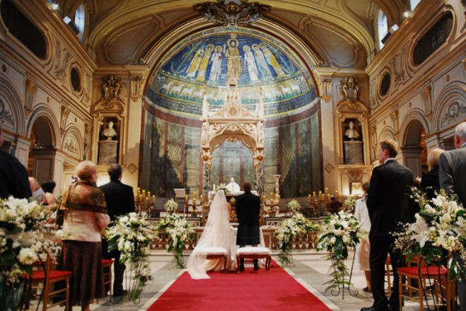 Невестата секогаш се наоѓа од левата страна на младоженецот – ја знаете ли причината за овој обичај?