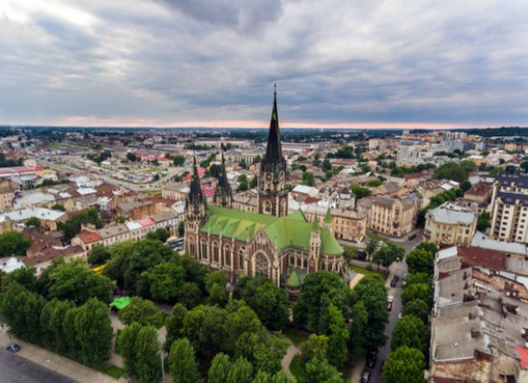 Прекрасен европски град кој ќе ве маѓепса со своите знаменитости, а во кој кафето и пивото се за џабе
