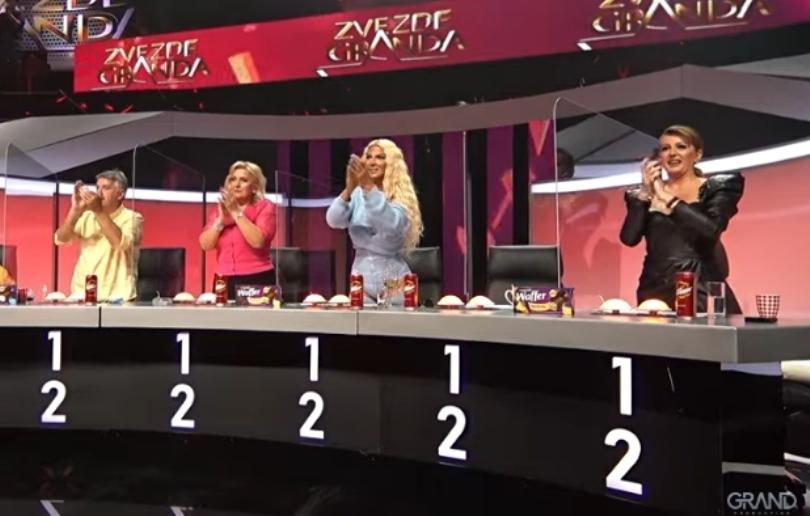"""""""Ги разнесе"""": Жирито на нозе во """"Ѕвездите на Гранд"""" поради настапот на 24 годишната Зорја (видео)"""