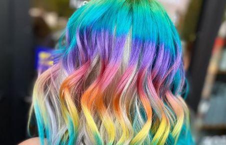 Необичен тренд во Америка: Коса со боите на виножитото