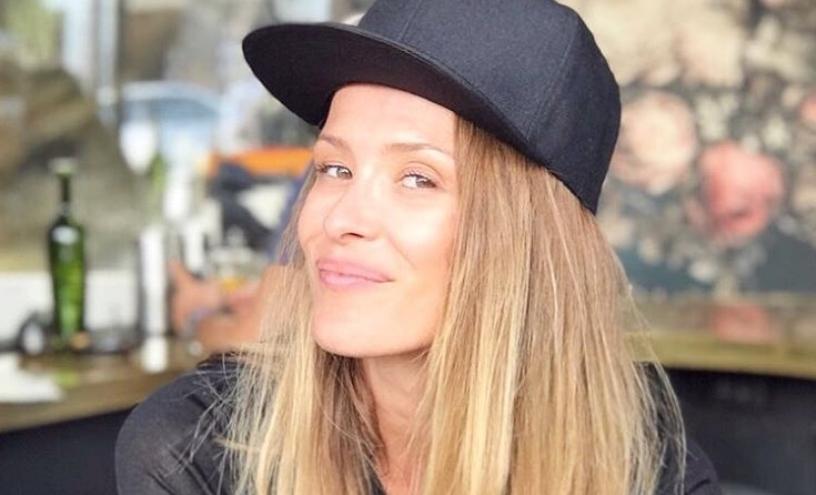 Каролина Гочева од Битола во Преспа: Пејачката на тура низ Македонија со посебно друштво (фото)
