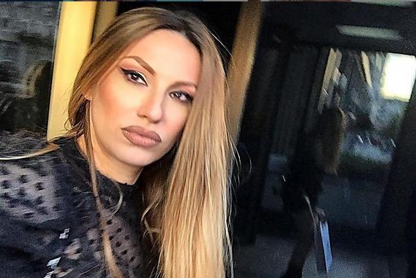 Рада Манојловиќ преплашена од короната побегна од Белград, дома на село: Ниту негде оди, ниту некој смее да ја посети, па ни момчето (ФОТО)