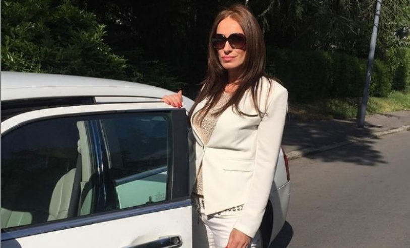 """Слаѓа Делибашиќ е """"бомба"""" во шестата деценија: Пејачката проговори за прозивките дека има вештачки изглед (фото)"""