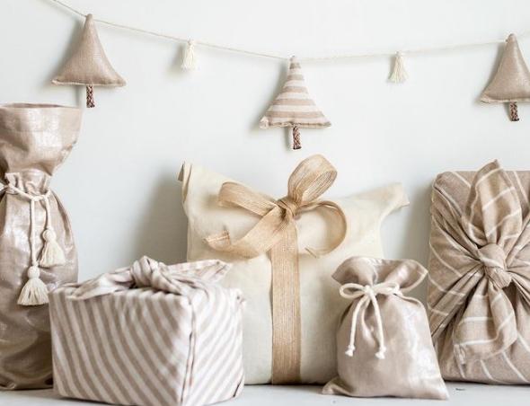 Заборавете на хартијата и панделките: Овој начин на завиткување подароци го полуде светот