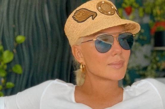 """Познатиот пејач ја поткачи Лепа Брена: """"Таа целиот свој живот го програмираше да граби и има"""""""