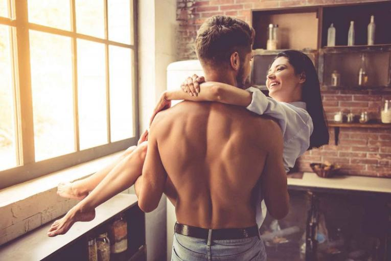 Какви партнерки бираат хороскопските знаци? Овенот сака способни жени, а Лавот има цел список со барања