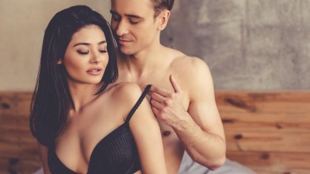 Експертка за секс открива што се случува кога жена подолго време нема сексуален однос