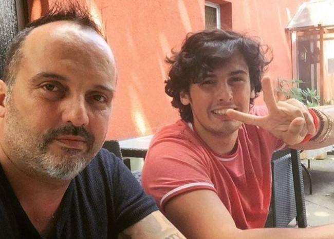 Тони Цетински ќе стане дедо: Синот на пејачот од првиот брак објави радосни вести (фото)