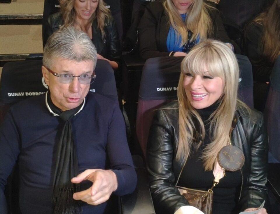 Исплива никогаш видена фотографија од свадбата на Саша Поповиќ и Сузана Јовановиќ, сите коментираат еден детаљ