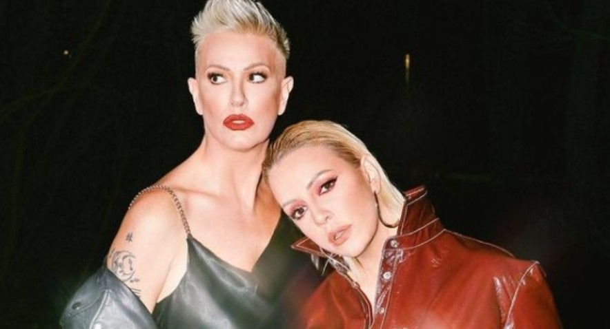 Двете сестри ги вкрстија гласовите: Тијана и Тамара го одржаа својот прв заеднички концерт онлајн