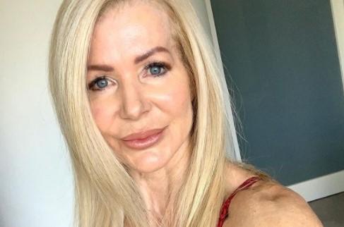 """""""Имам повеќе додворувачи од мојата 19-годишна внука"""": Оваа 64-годишна баба има фитнес тело од соништата"""