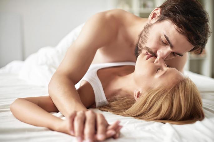 Звучат добро во теорија, но никако во пракса: Жените навистина не ги сакаат овие пози!