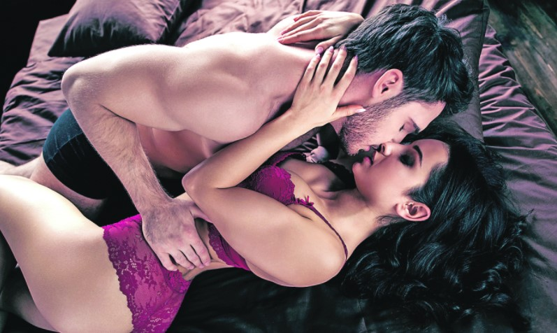 Во време на пандемија, паровите се одлучуваат на многу нови чекори во креветот