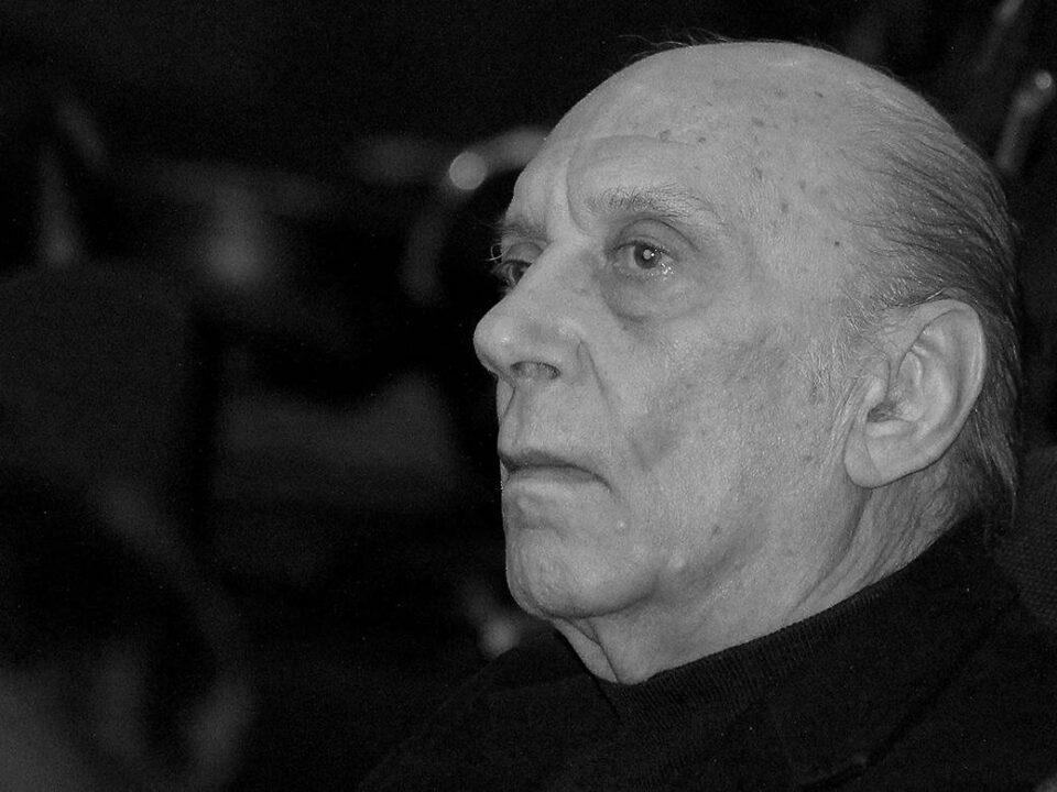 Лекарите му ги пуштале неговите песни: Вака изгледале последните моменти на Тозовац во болница