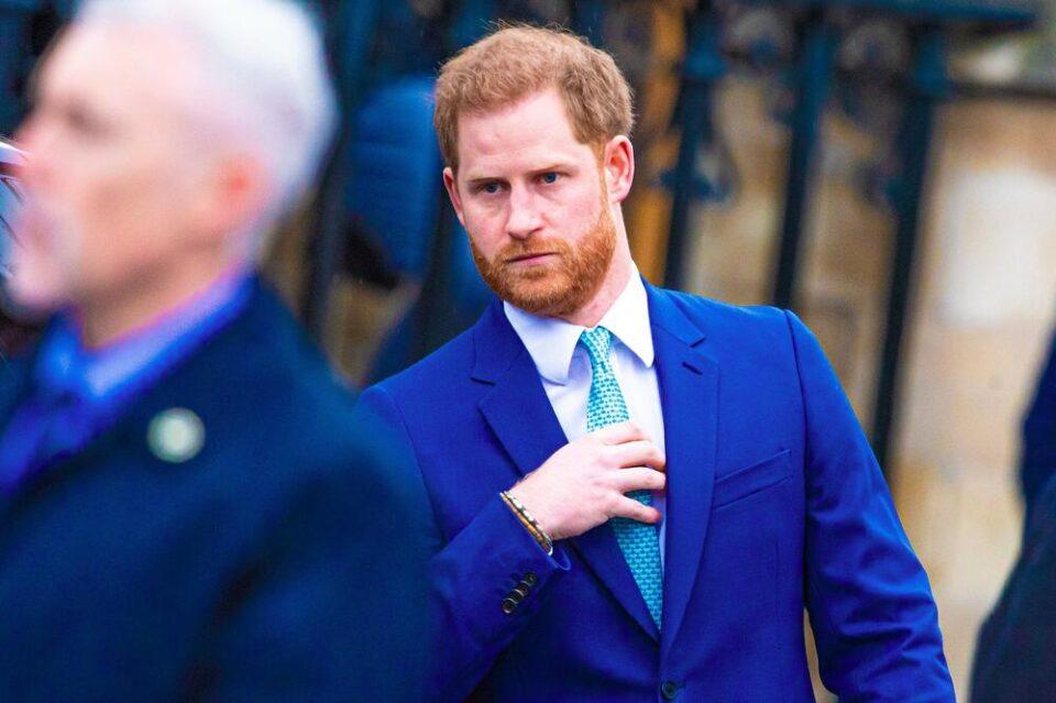 Принцот Хари повторно го вознемири кралското семејство: Откри што му правел татко му кога бил мал