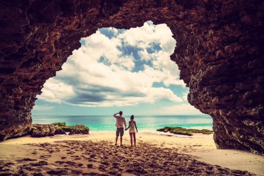 Познатиот пар од Инстаграм: Живеат како номади, заработуваат пристојно! Имаат само една порака за нивните следбеници