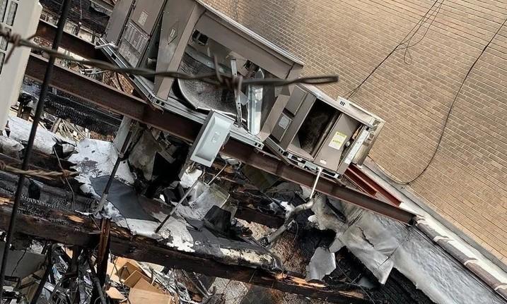 """Ова е ужасно и трагично"": На пејачката и изгоре куќата до темел"