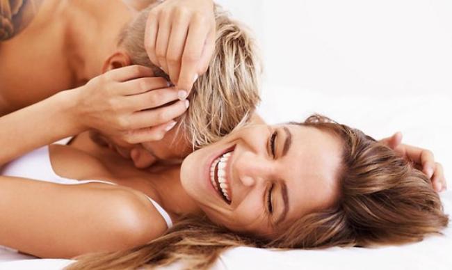 Жени откриваат што би сакале нивните партнери да направат барем еднаш во кревет