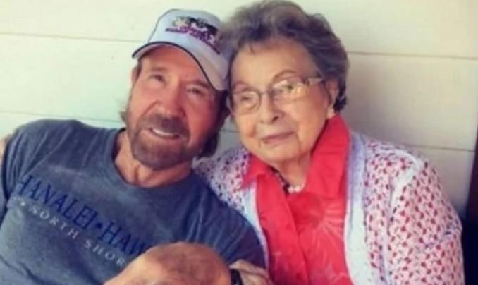Растела во сиромаштија, а во дом завршила на осум години: Мајката на Чак Норис наполни 100 години, а ова е вистината за нејзината тажна судбина
