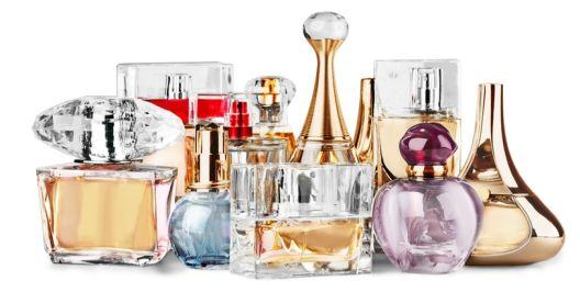 Каде да го чувате омилениот парфем во текот на летото за да не ви испари?