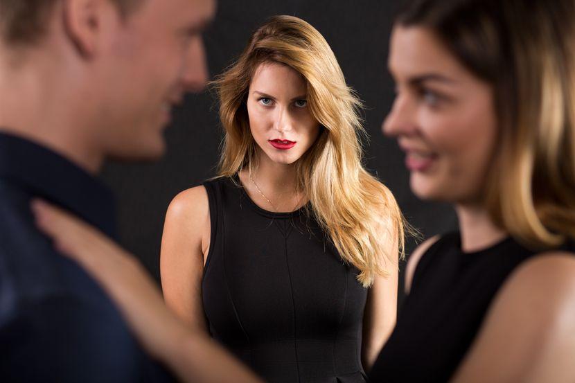 3 најчести причини зошто сегашните партнери се љубоморни на бившите: Проверете дали негде грешите