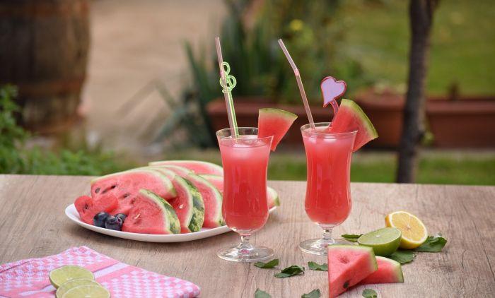 Летно смути: Направете освежувачки пијалок во кој лубеницата е главна состојка