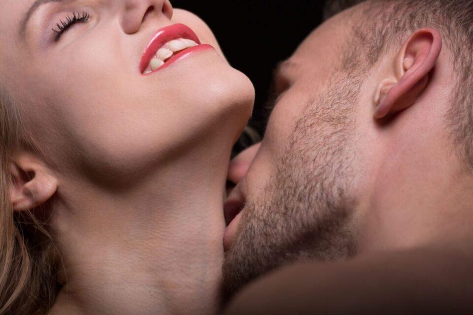 Не сте сигурни дали сте аматер или експерт во креветот? – Овие седум знаци покажуваат дека сте одлични љубовници!