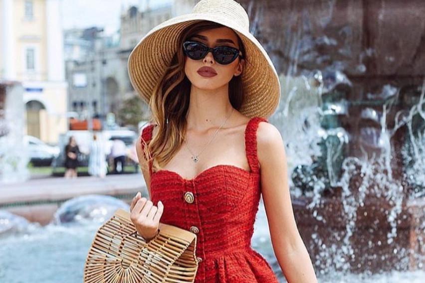 Аксесоар на кој ниту една жена не може да му одолее: Шеширите се апсолутен моден хит, а вака се носат ова лето