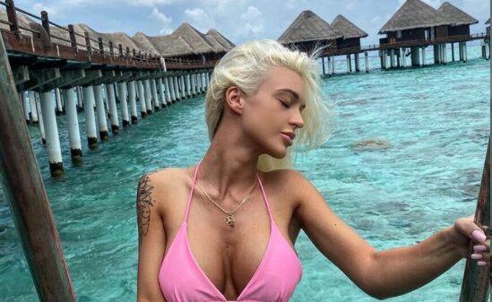 Марина на Малдиви е толку секси што адреналинот ќе ви подивее: Јавната палма и топлес во џакузи… пејачката знае како се живее!   (ФОТО)
