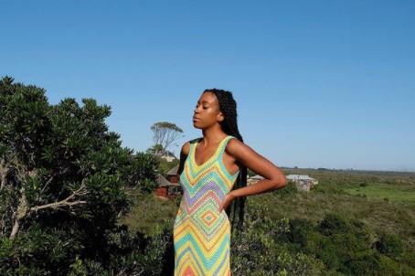 Плетените парчиња облека ќе владеат оваа сезона, а еве како да ги носите