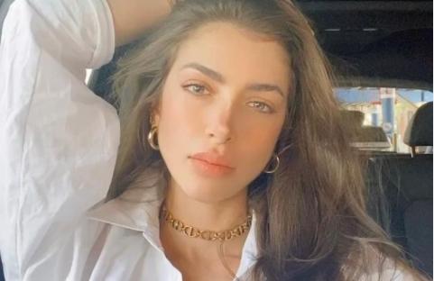 Запознајте ја Анљела Сагра – кралицата на Инстаграм голотијата: Жешката Колумбијка ќе ве распамети со секоја своја поза (ФОТО)