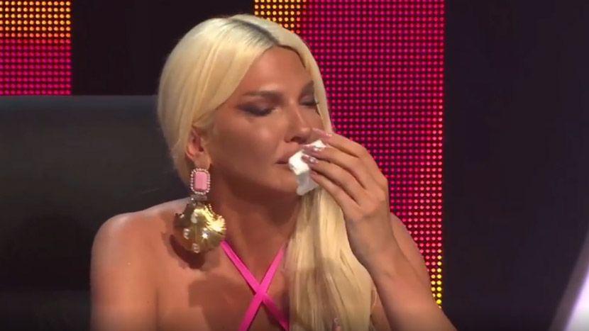 """Јелена Карлеуша ронеше солзи во """"Ѕвездите на Гранд"""": """"Покажавте дека не ме сакате и не ме почитувате"""" (видео)"""