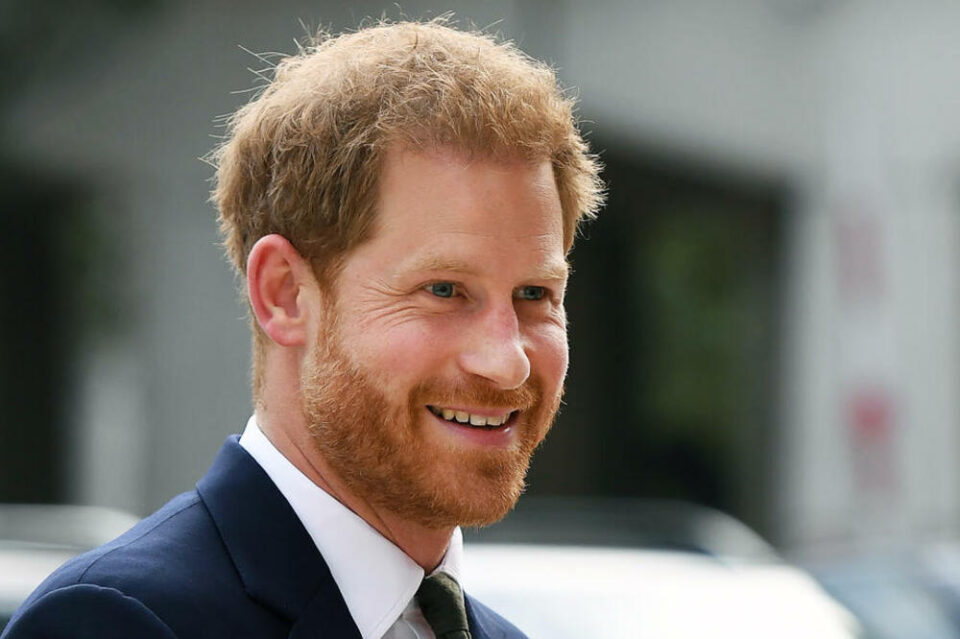 Доби 20 милиони долари да напише мемоари: Уште еден удар на принцот Хари врз кралското семејство