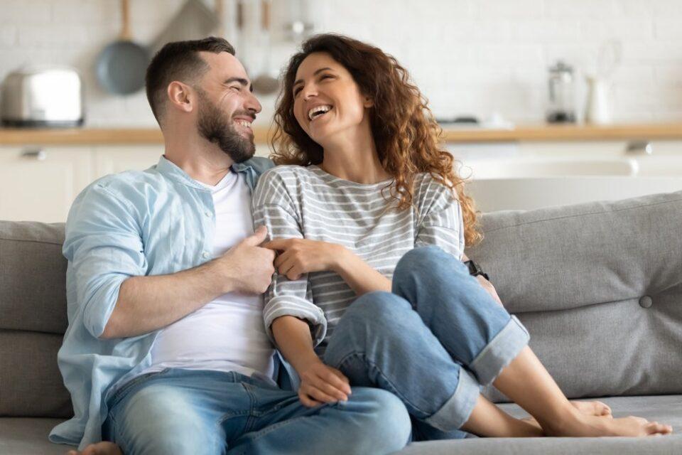 Само едно прашање, кое ќе му го поставите на партнерот, може да ви го спаси бракот