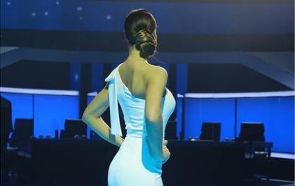 Пред да се омажи презентираше временска прогноза, а сега е на големата блескава сцена: Знаете ли на која атрактивна ТВ водителка Лепа Брена и е кума? (ФОТО)