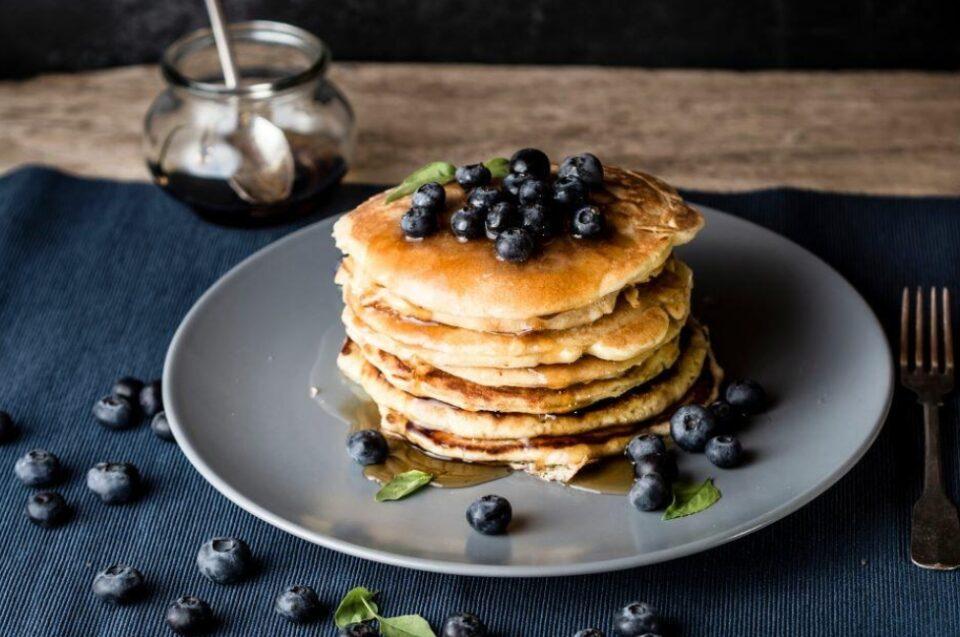 Палачинки без глутен или смути полно со витамини: 5 рецепти за здрав доручек
