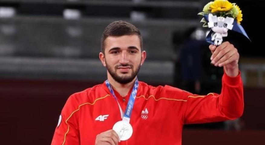 Еве кој е Дејан Георгиевски, таеквондистот кој освои сребрен олимписки медал за Македонија