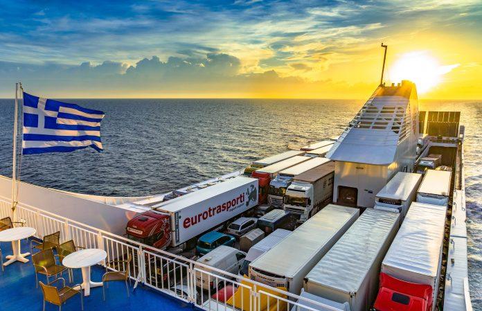 За патување со брод или траект кон островите во Грција ова е ЗАДОЛЖИТЕЛНО: До сега вратени над 4.500 лица