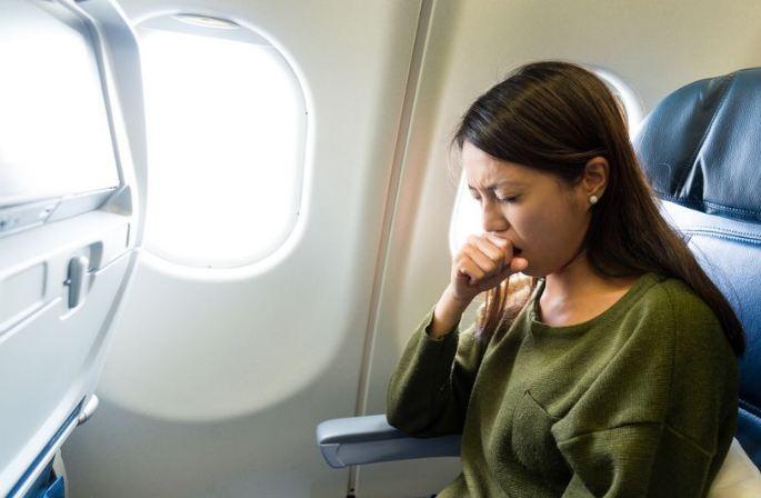 Избегнете ја мачнината по летот со авион: 3 совети кои ќе ви помогнат да уживате во одморот