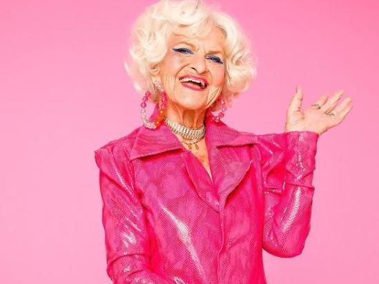 Хелен (91) е најстарата инфлуенсерка на Инстаграм: Ја следат 8,5 милиони луѓе, а погледнете колку заработува!