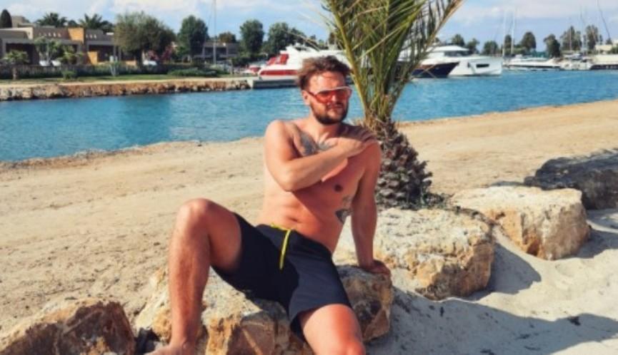 """Ги разгореа страстите: Спејко и Хрисанта со нова жешка поза од одмор """"горат"""" повеќе од жешките температури (фото)"""