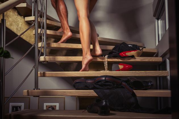 10 совети за жени како да ви биде удобно во сексот кога вие сте одгоре (18+)