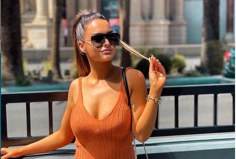 """Не, не е фатаморгана… ова се новите бомбастични фотки на """"Жена од султана"""": Тијана Милентијевиќ во секси бикини, само за оние над 18 години (ФОТО)"""