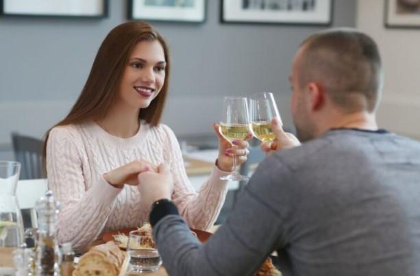 Три работи кои жените веднаш ги забележуваат на првиот состанок