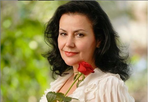 Ќерката на познатата српска глумица Снежана Савиќ израсна во вистинска убавица: Вака денес изгледа Анита (ФОТО)