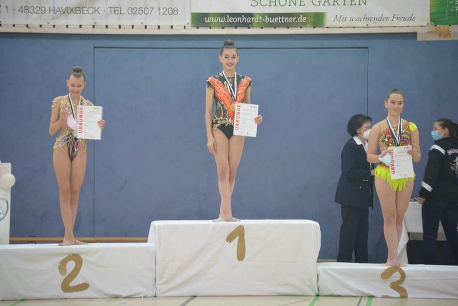 Македонска гордост: Илина Соколовска прогласена за мајстор по гимнастика во Германија
